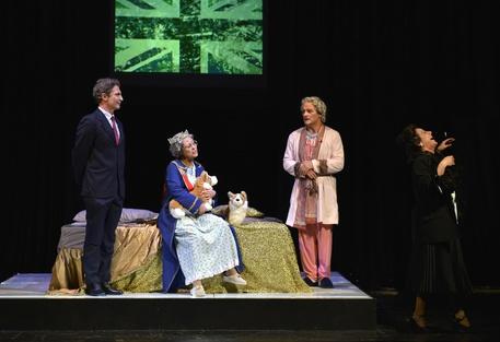 Teatro Sannazaro-Una tragedia Reale